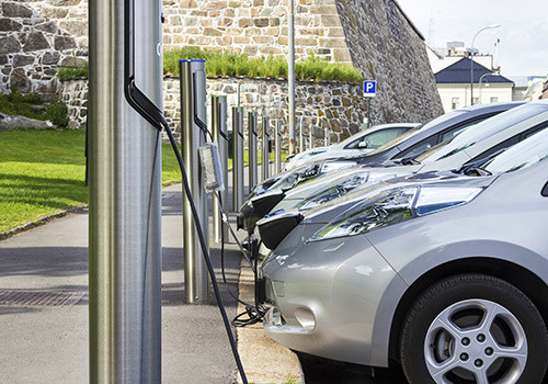 Ultra-Low Emission Vehicles: Policy and Market Trends